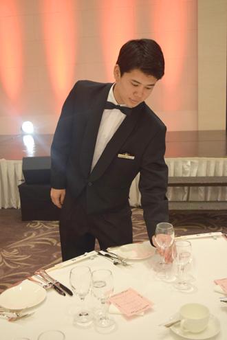 【午前勤務】宴会サービススタッフ(高知市)